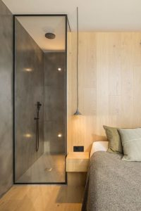hotel room with shower for boutique hotels